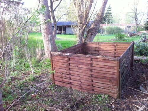 Large compost container